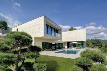 Villa in Decín #architecture #pool #garden