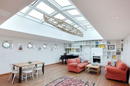 Stunning Barge Conversion #interiors #livingroom #shelf