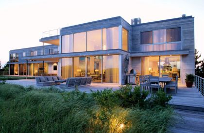 Flying Point Residence Stelle Architects