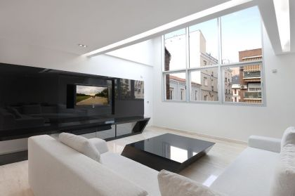 Serrano Apartments: Amazing Urban Remodeling in Madrid #interiors #livingroom