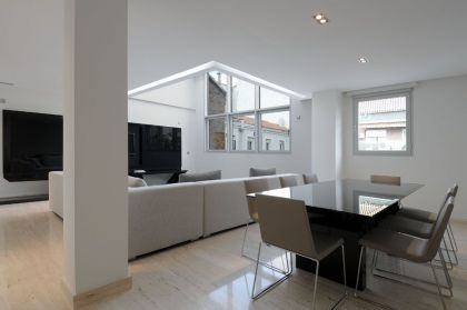 Serrano Apartments: Amazing Urban Remodeling in Madrid #interiors #diningroom