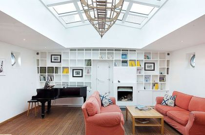 Stunning Barge Conversion #interiors #livingroom #fireplace #shelf