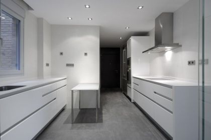 Serrano Apartments: Amazing Urban Remodeling in Madrid #interiors #kitchen