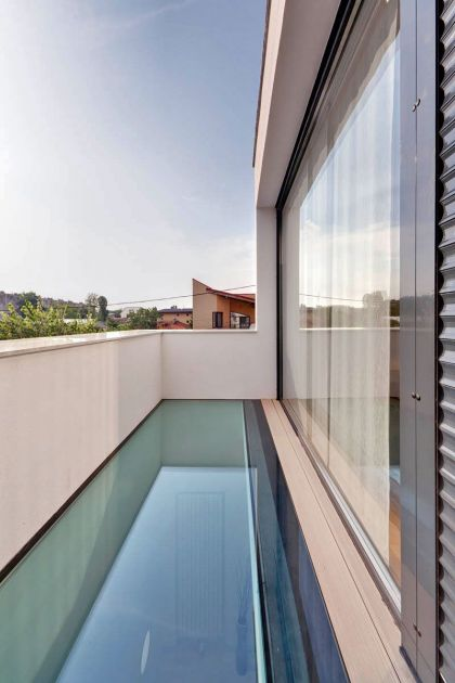 Vultureni House TECON Architects