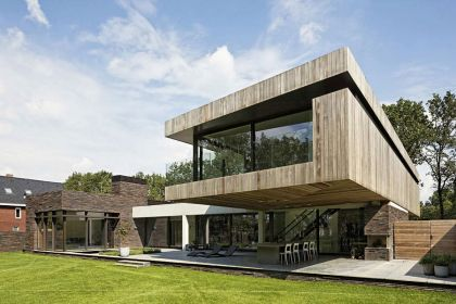 House at the Edge of a Forest Hilberink Bosch Architects