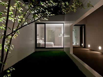 TH House, a Minimalist Contemporary Residence