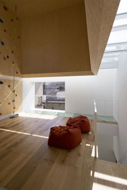 Outdoors Indoors House Be-Fun Design and EANA