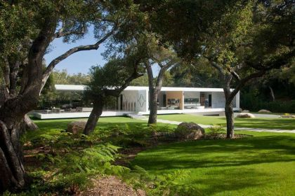 The Glass Pavilion, an ultramodern house Steve Hermann