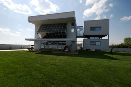House in Nikaia Christina Zerva Architects