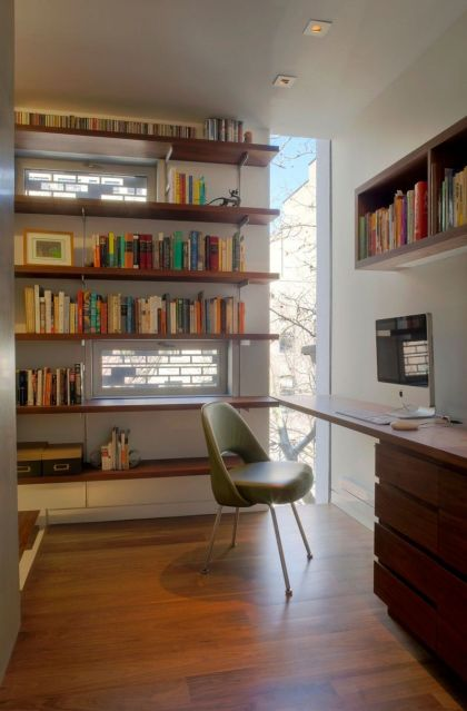 Urban Townhouse #interiors #office #shelf #desk