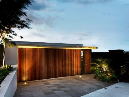 Warringah Road House #architecture #garage #entrance