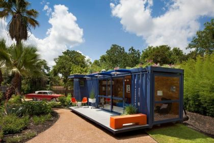 Container Guest House #architecture #container #garden #terrace