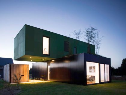 Crossbox House
