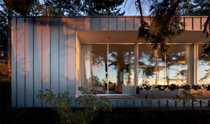 The North Beach House Heliotrope Architects